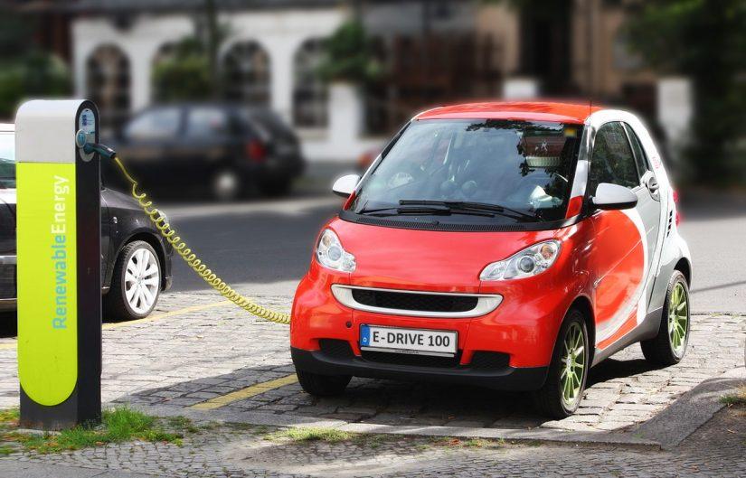 Auto elettriche, quanto costa la manutenzione?
